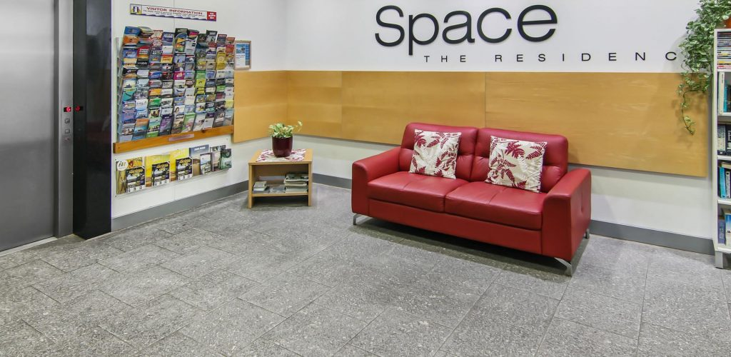 space-holiday-apartments_reception